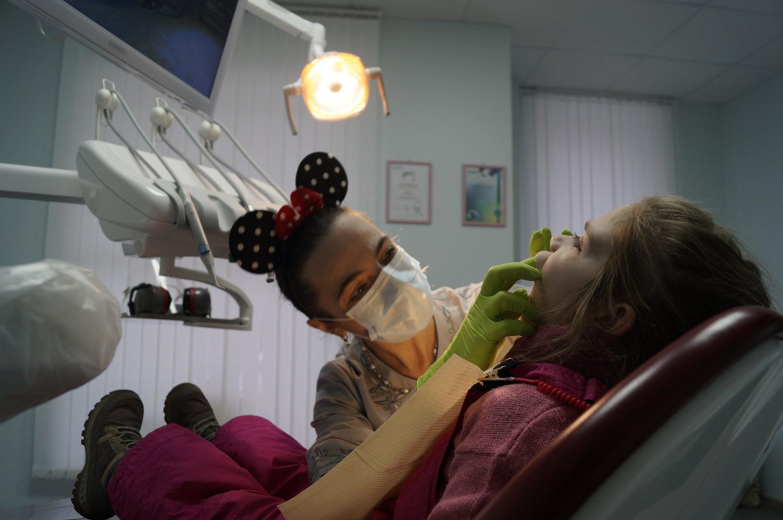 Лікування зубів у дітей в клініці Dr.Miller